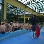 Instructeur Dennis leert ons flowriden in Center Parcs